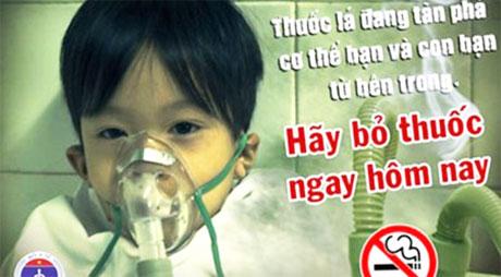 Trẻ em chịu ảnh hưởng nặng nề từ khói thuốc lá