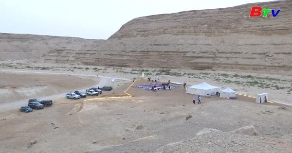 Trải nghiệm dịch vụ xem phim giữa sa mạc