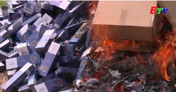 Cục thi hành án Bình Dương tiêu hùy 12.830 bao thuốc lá lậu