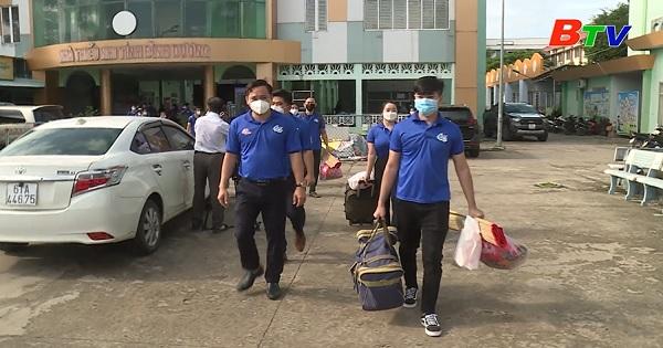 Những tình nguyện viên tại bệnh viện dã chiến