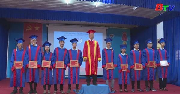 Trường trung cấp nông lâm nghiệp Bình Dương trao bằng tốt nghiệp năm 2018