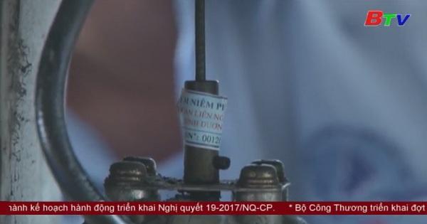 Dĩ An: Ra quân nêm phong đồng hồ đếm tổng trên các các phương tiện đo xăng dầu