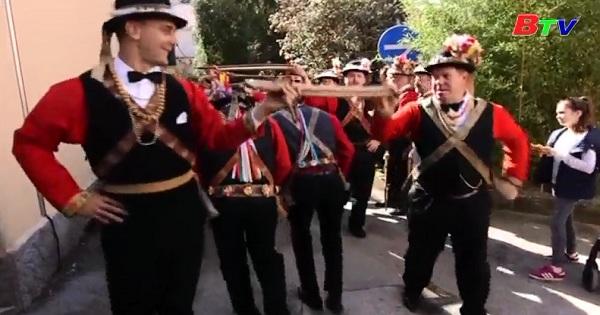 Croatia-Người dân chào đón lễ hội Carnival truyền thống