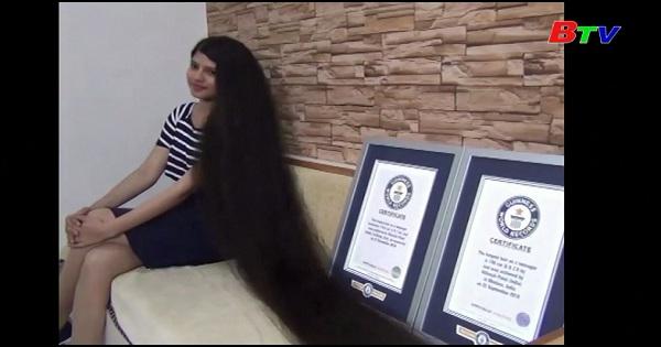 Cô gái có mái tóc dài nhất thế giới