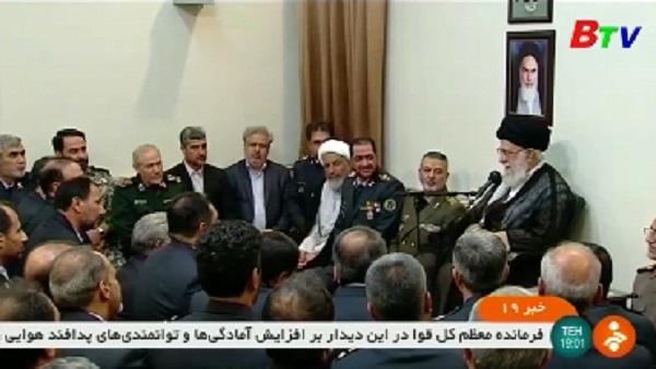 Lãnh tụ tối cao Iran kêu gọi quân đội sẵn sàng phòng thủ