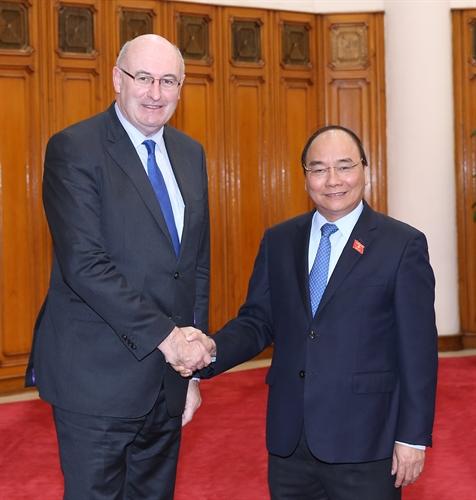 Thủ tướng Chính phủ Nguyễn Xuân Phúc tiếp Cao ủy Liên minh Châu Âu