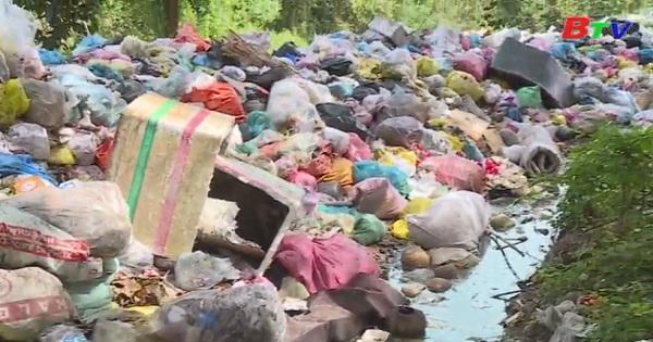 Dầu Tiếng đang tồn tại  nhiều bãi rác gây ô nhiễm môi trường