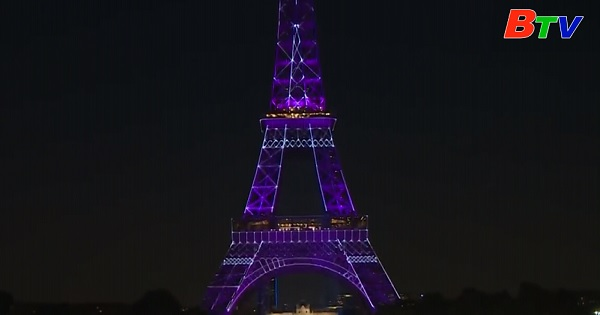 Một đoạn cầu thang của tháp Eiffel được bán đấu giá gần 300.000 Euro