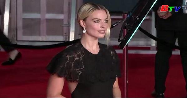 Thời trang thảm đỏ trong lễ trao giải Bafta tại Anh