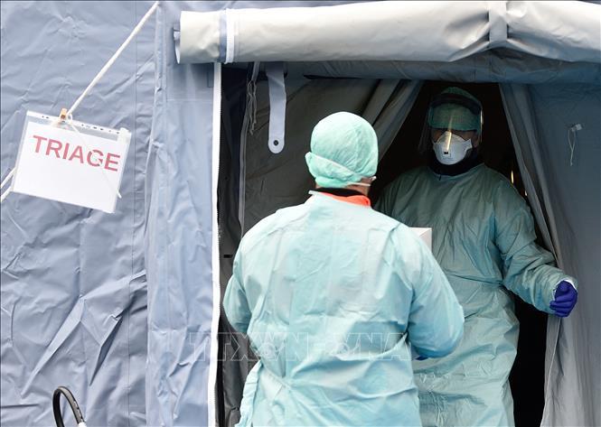 Dịch viêm đường hô hấp cấp COVID-19: Italy đóng cửa toàn bộ các trường học