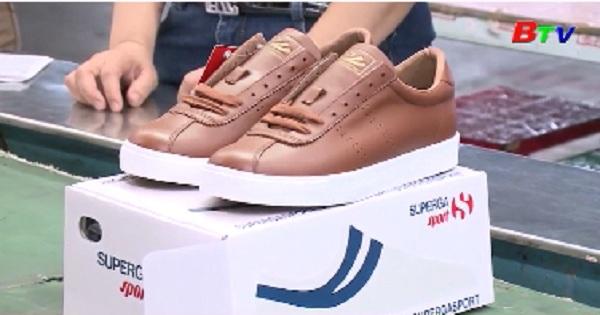 Ngành giày xuất khẩu tăng trưởng 13%