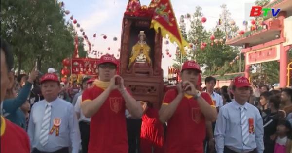 Sôi nổi lễ hội rước Cộ Bà tại chùa bà Thiên Mẫu Thành phố mới Bình Dương