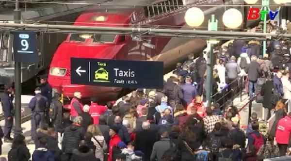 Đường sắt Pháp tê liệt vì đình công