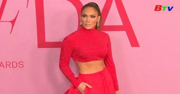Jennifer Lopez nhận giải thưởng biểu tượng thời trang  CFDA 2019
