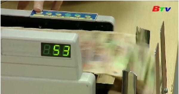 Các ngân hàng tiếp tục giảm lãi suất huy động và cho vay