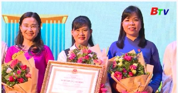 Hội Sinh viên Việt Nam tỉnh Bình Dương đón nhận Huân chương lao động hạng Ba