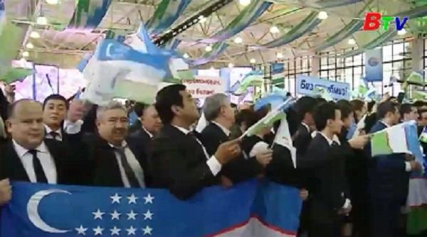 Thủ tướng Uzbekistan đắc cử tổng thống