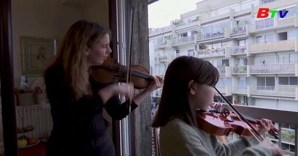 Pháp - Âm nhạc cổ điển giúp chống trầm cảm thời cách ly