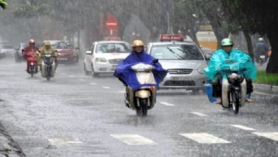 Trung Bộ nắng nóng diện rộng, Tây Nguyên và Nam Bộ mưa dông về chiều