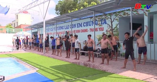Lớp hướng dẫn viên bơi lội tỉnh Bình Dương 2019