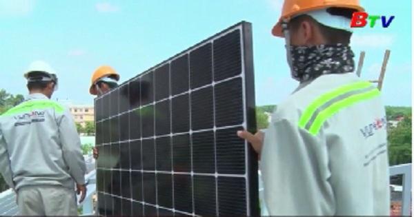 Đã có 474 khách lắp đặt điện mặt trời áp mái, hòa lưới điện quốc gia