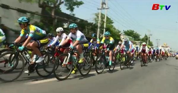 Khai mạc Giải đua xe đạp nữ Quốc tế Bình Dương mở rộng tranh Cúp Biwase  lần 8 năm 2018