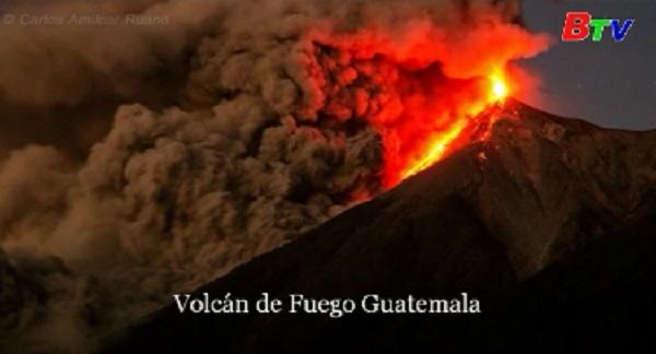 Guatemala sơ tán hàng trăm dân thường do núi lửa phun trào
