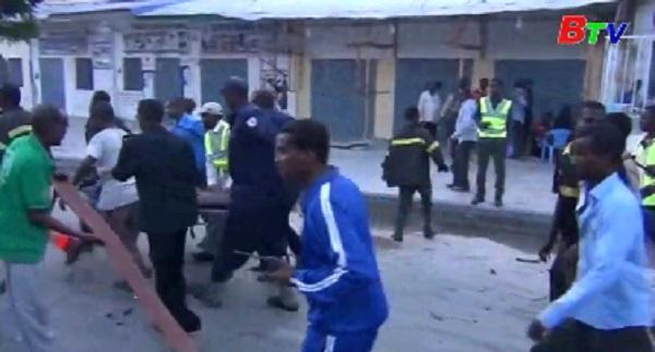 Ít nhất 5 người thiệt mạng trong vụ đánh bom xe ở Somalia