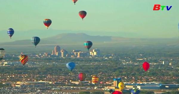 Lễ hội khinh khí cầu quốc tế Albuquerque tại bang New Mexico