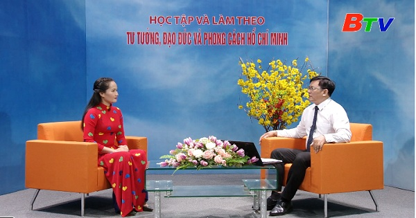 Hồ Chí Minh - Con người của đổi mới