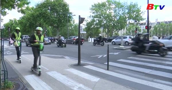 Paris xiết chặt kiểm soát xe scooter điện
