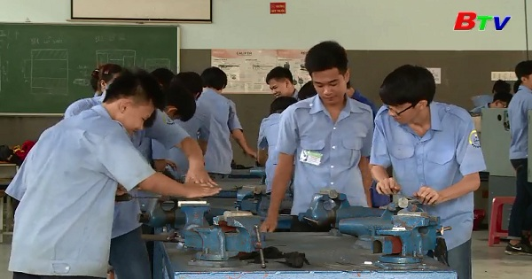 Đào tạo nghề của Trường Trung cấp nghề Dĩ An Bình Dương