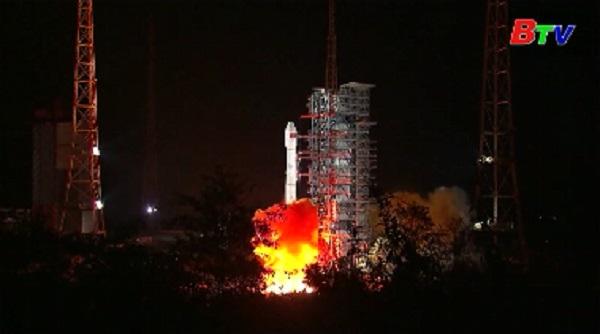 Trung Quốc phóng tàu vũ trụ khám phá vùng tối của mặt trăng