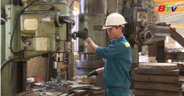 Công nhân lao động trong tiến trình xây dựng và phát triển tỉnh Bình Dương