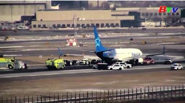 Máy bay Canada hạ cánh khẩn cấp ở Mỹ