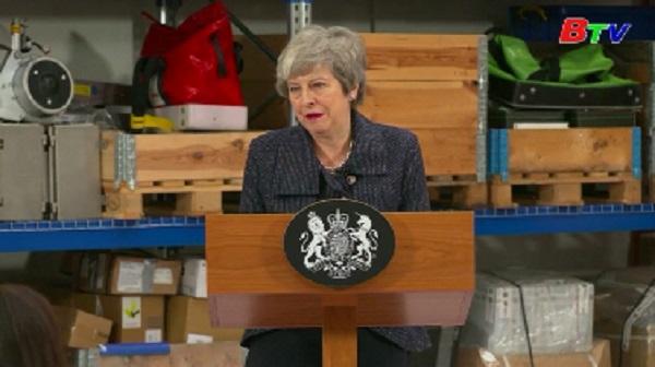Thủ tướng Anh lại đối mặt sức ép từ chức