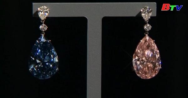 Sotheby London giới thiệu đôi bông tai trước khi đấu giá tại Geneva