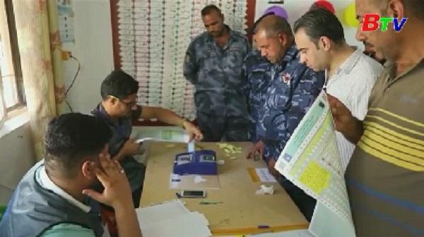 Một triệu binh sỹ và nhân viên cảnh sát Iraq đi bầu cử sớm