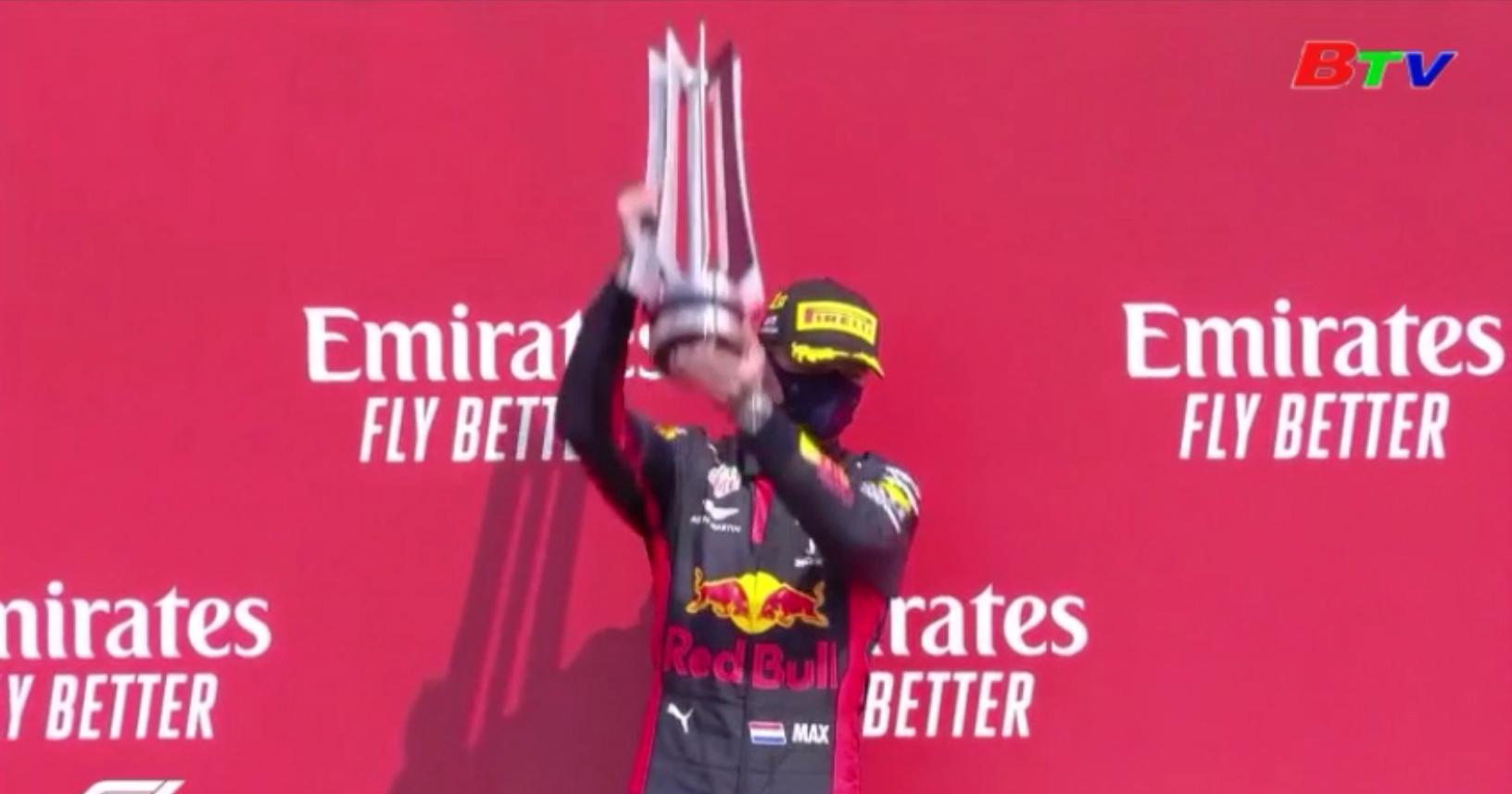 Max Verstappen giành chiến thắng chặng kỷ niệm 70 năm F1