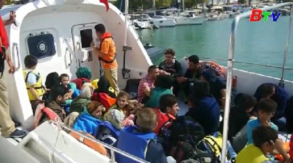 Romania chặn nhiều tà cá chở người di cư trên biển Đen