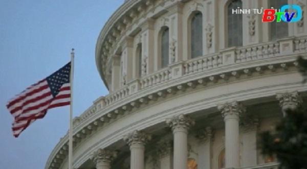 Quốc hội Mỹ thông qua dự luật ngân sách quốc phòng