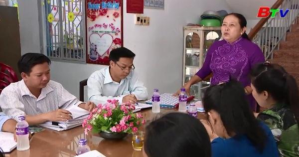Một nhà giáo ưu tú học và làm theo Bác