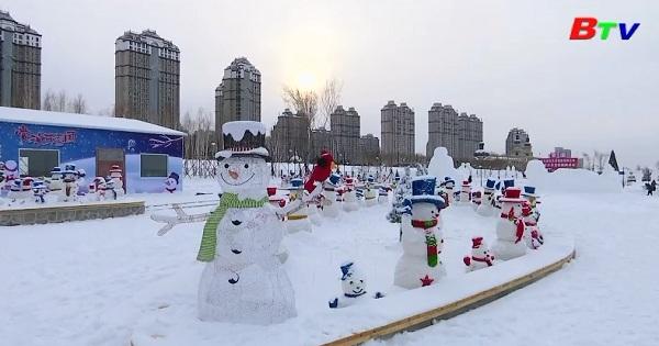 Màn trình diễn hơn 2000 người tuyết ở Trung Quốc