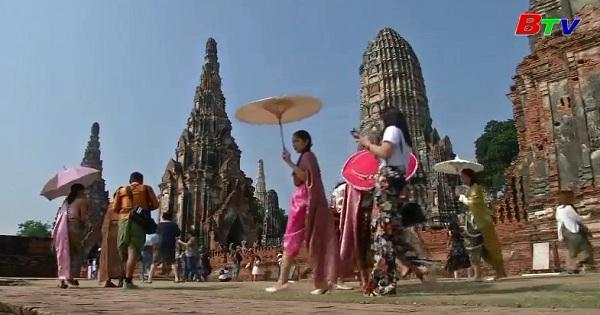 Cơn sốt trang phục truyền thống ở Thái Lan