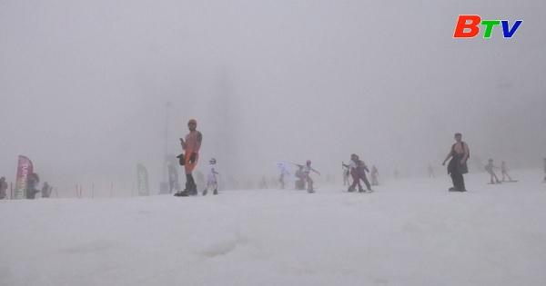 Nga – Sôi động lễ hội trượt tuyết Boogel Woogel ở thành phố Sochi