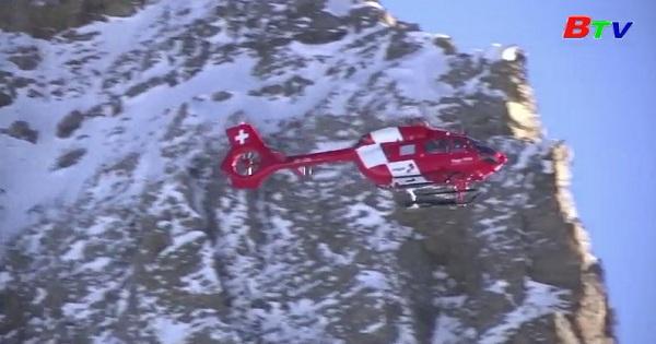 Thụy sĩ - Những chú chó tham gia diễn tập cứu hộ  nạn nhân lở tuyết