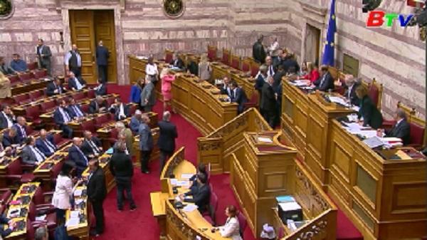 Thủ tướng Hy Lạp vượt qua bỏ phiếu tín nhiệm tại Quốc hội
