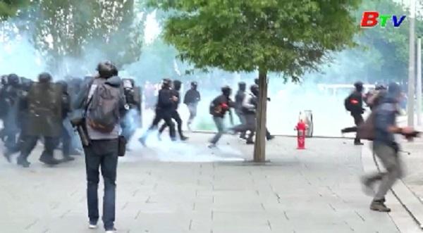 Pháp - Các cuộc biểu tình của phe