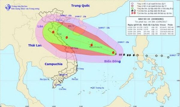 Bão số 10 đi vào đất liền các tỉnh từ Thanh Hóa đến Quảng Trị, mưa lớn mở rộng ra ở các tỉnh Nghệ An, Thanh Hóa