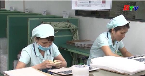 Điều chỉnh tăng lương tối thiểu cho người lao động